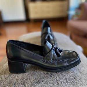 Women's Bass Weejuns Black Tassel Loafers